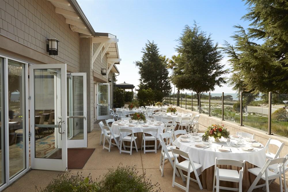 Slide2 San Go Winter Wedding Venue At A Hotel In Carlsbad
